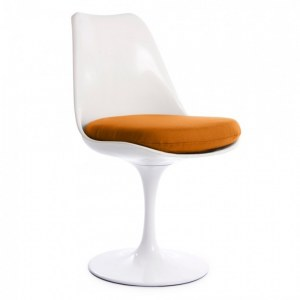Chaise tulipe blanc avec coussin orange inspiré Saarinen